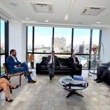 Prefeita de Camaragibe vai ao TCE em busca de parcerias