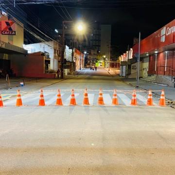 Rua Coronel Limeira será interditada para reduzir aglomerações nas filas da Caixa