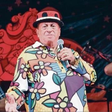 Artistas organizam live beneficente para o cantor Genival Lacerda