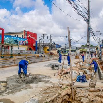 Obras alteram tráfego na Avenida Presidente Kennedy em Olinda