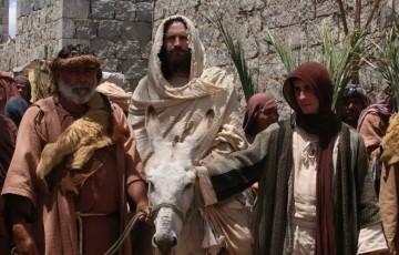 Sem Paixão de Cristo, figurantes sofrem sem renda extra