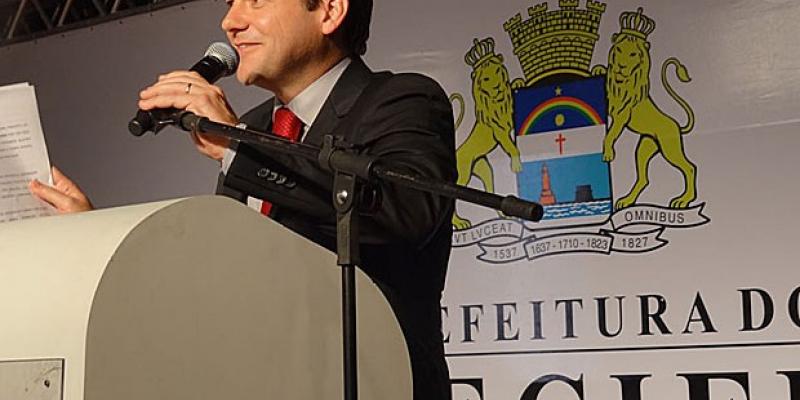 Na casa legislativa do Recife, durante a primeira votação, foram 28 votos favoráveis ao projeto