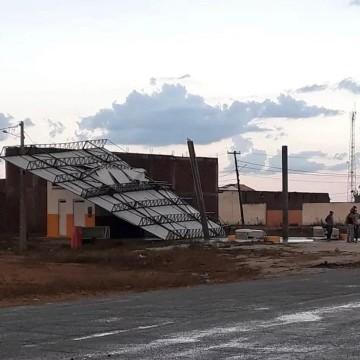 Chuva de Granizo surpreende moradores de Custódia, no Sertão