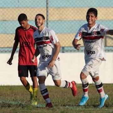 Santa Cruz vence Íbis e está muito perto da final da Copa Pernambuco