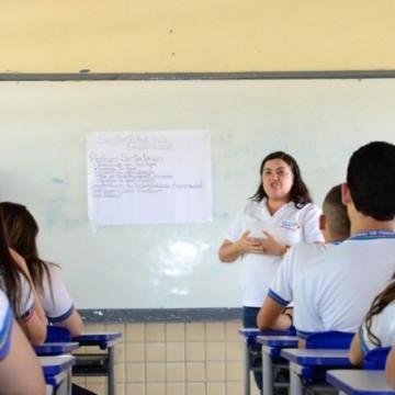 Retomada das aulas de escolas públicas estaduais está em debate