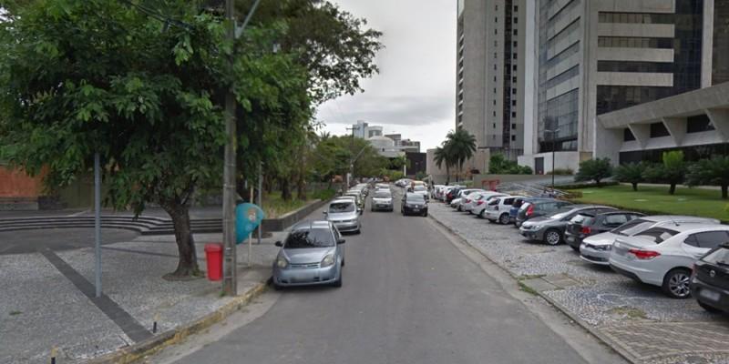 De acordo com a CTTU, o estacionamento rotativo no local funciona todos os dias da semana, inclusive aos domingos, das 8h da manhã às 20h da noite
