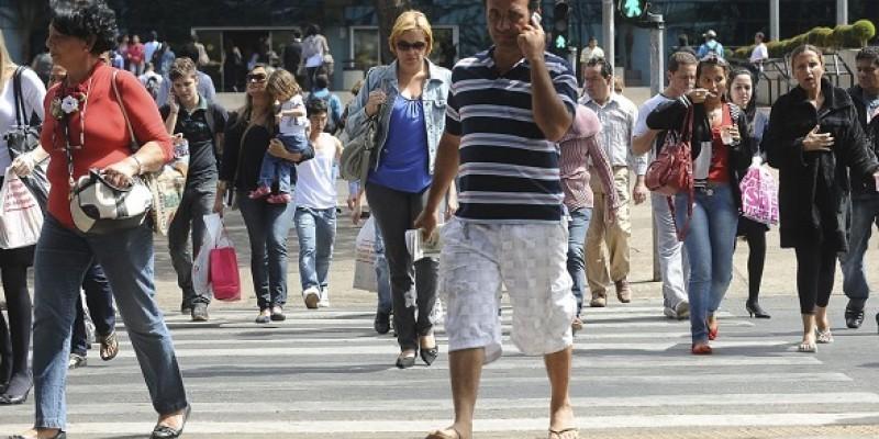 A população desocupada ficou em 12,6 milhões de pessoas no trimestre finalizado em julho, 4,6% abaixo do trimestre encerrado em abril (menos 609 mil pessoas), mas estatisticamente estável em relação a igual período de 2018