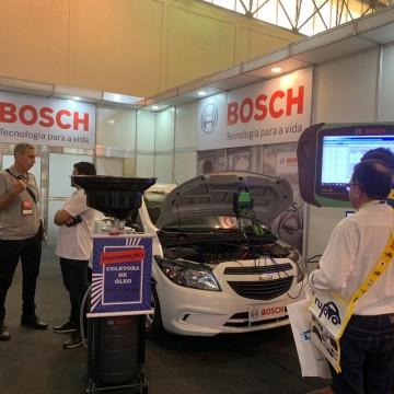 Profissionais e empresários do setor automotivo conhecem as novas tecnologias do setor durante a Autonor