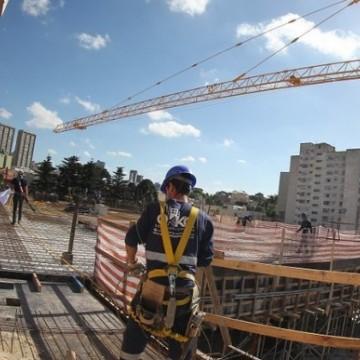 Em Pernambuco, setor de construção civil só deve ganhar força a partir de 2022