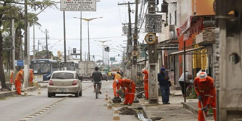 A intervenção altera o tráfego de veículos na região e o itinerário de sete linhas de ônibus que circulam pela avenida