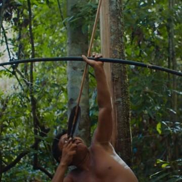 ' A Última Floresta' - a luta e a poesia dos Yanomamis por Luiz Bolognesi