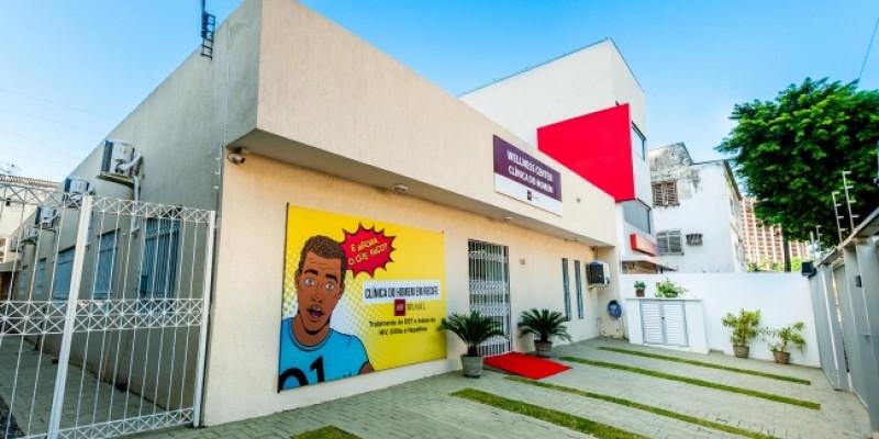 Espaço oferece atendimento gratuito para população masculina, com exames, consultas e distribuição de medicamentos
