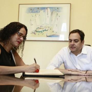 Luciana Santos assume o comando do Estado até 25 de novembro