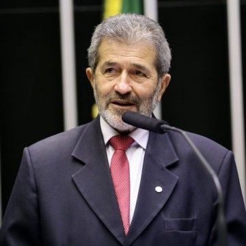 """Gonzaga Patriota diz que Miguel Coelho quer migrar pra situação e afirma, """"não vejo dificuldades em Paulo fazer seu substituto"""