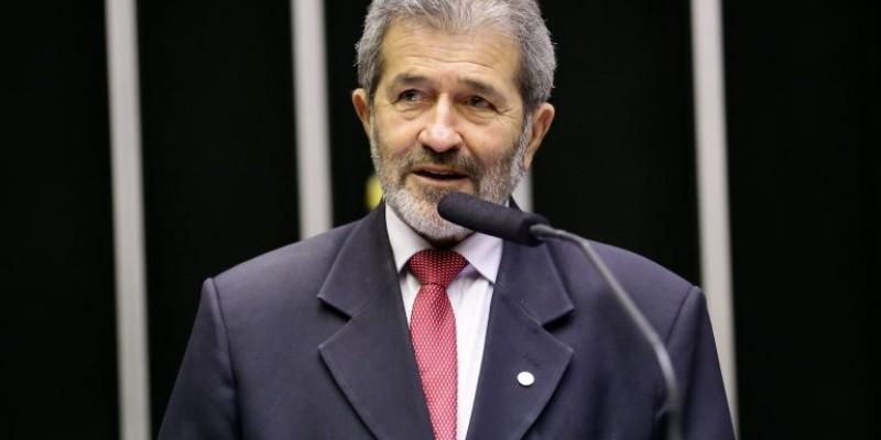 Deputado fez críticas a LDO e ao governo Bolsonaro