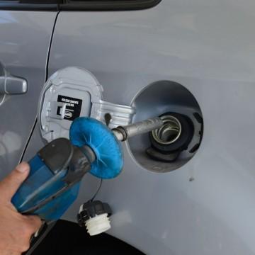 Preços de gasolina e diesel sobemhojenas refinarias