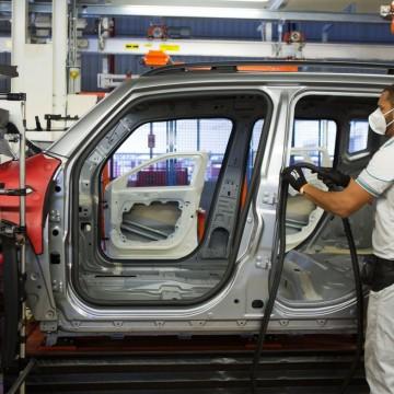 IBGE aponta queda de 2,8% na produção industrial pernambucana em março