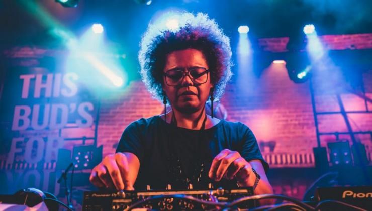 REC.DJ - Recife Eletrônico nas pistas da folia