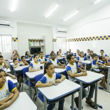 Rede de ensino do Recife inicia fase de confirmação de matrículas