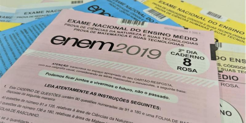 O ministro da Educação Abraham Weintraub estimou em seis mil pessoas o número de afetados por erro na correção da prova do Enem 2019.