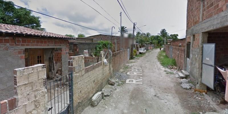 A vítima foi encontrada dentro de casa com golpes de foice e faca em diversas partes do corpo