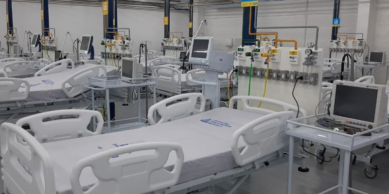 Além disso, o maior volume de atendimento nas emergências e profissionais exaustos nas redes públicas e privadas alerta para um cenário preocupante, em que as unidades de saúde operam além do limite