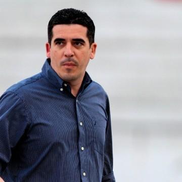 Constantino Júnior estipula prazo para contratação de novo técnico
