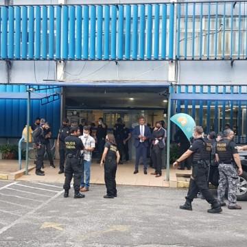 PF faz buscas nas secretarias de Saúde do Recife e de Jaboatão e investiga contratos de combate à Covid-19