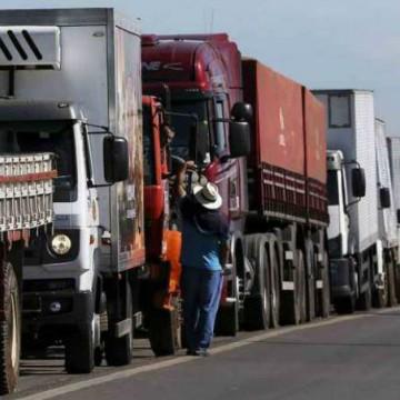 Governo se reúne com caminhoneiros para evitar nova paralisação