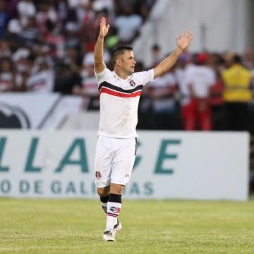 Pipico não treina e vira dúvida pra enfrentar o Botafogo/PB