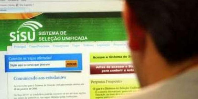 Em pernambuco estão disponíveis 15 mil vagas, mas alguns estudantes relatam que o sistema vem apresentando falhas