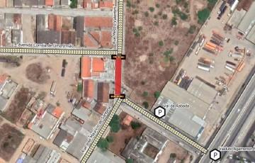 Trecho da Rua Mestre Valentim é interditada, em Caruaru