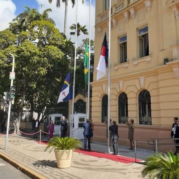 Paulo Câmara comanda cerimônia de comemoração da Data Magna