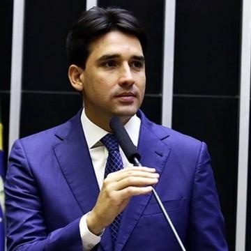 Sílvio Costa Filho demonstra preocupação com a economia do turismo local