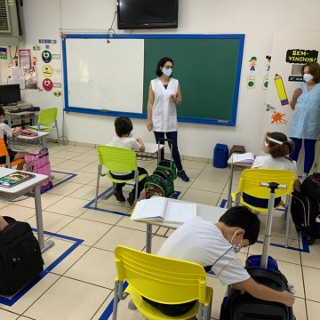Aulas presenciais nas escolas da rede privada, ensino superior e cursos livres são retomadas em Pernambuco