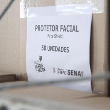 FIEPE doa 1.400 máscaras face shield para profissionais de saúde em Caruaru