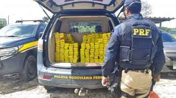 Carro roubado com 203 Kg de maconha é apreendido em Vitória de Santo Antão