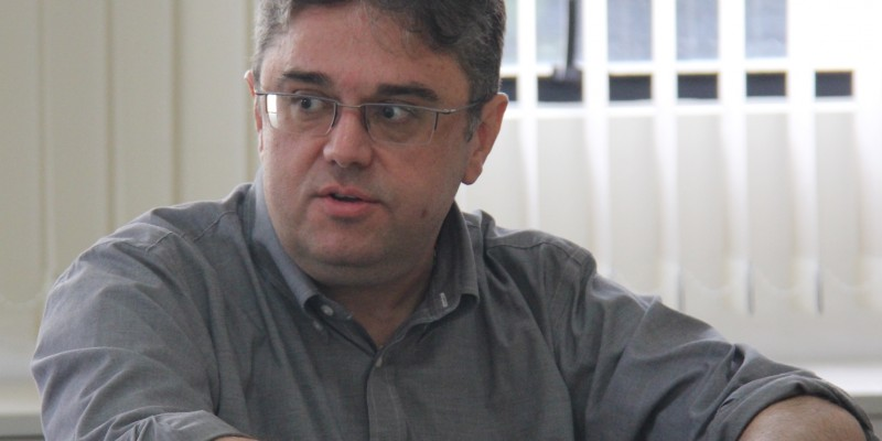 Ernesto Marques explicou que O pesquisador explicou quenão existem vacinas ruins, oque existem são diversas formas de induzir a resposta imunológica
