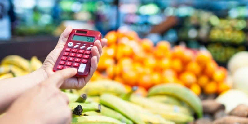 O Índice Nacional de Preços ao Consumidor Amplo representa uma prévia da inflação e mede as variações de preço em nove grupos de produtos e serviços coletados no intervalo de 15 dias