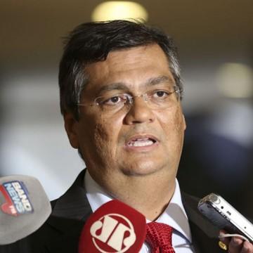 "Entrevista de Flávio Dino ao ""Roda Viva"" é elogiada por senador petista"