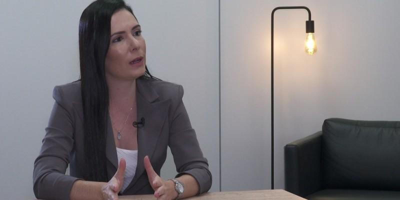 Delegada lança, nesta terça-feira (04), candidatura pelo Podemos ao lado de Renata Abreu. Projeto carrega digital da direção nacional da sigla