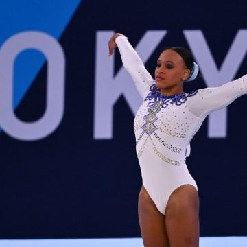 Rebeca Andrade busca primeira medalha olímpica da ginástica feminina
