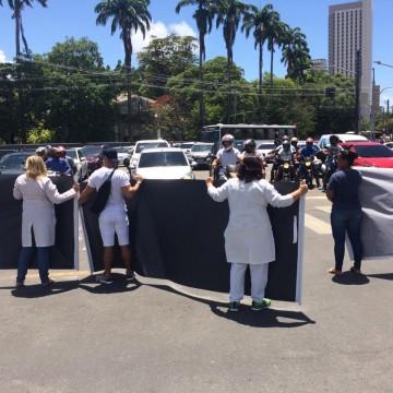 Técnicos e Auxiliares em enfermagem da rede estadual decretam greve nesta quinta (30)