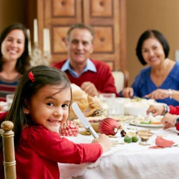 Cuidados com a alimentação das crianças no fim de ano