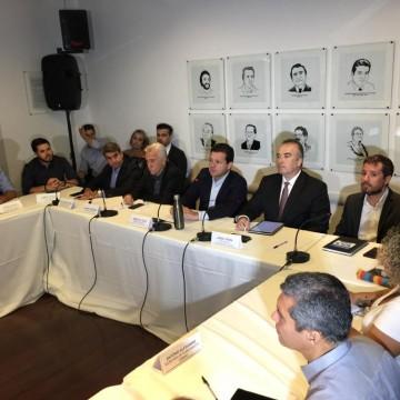 Prefeito do Recife traça medidas de combate ao Covid-19