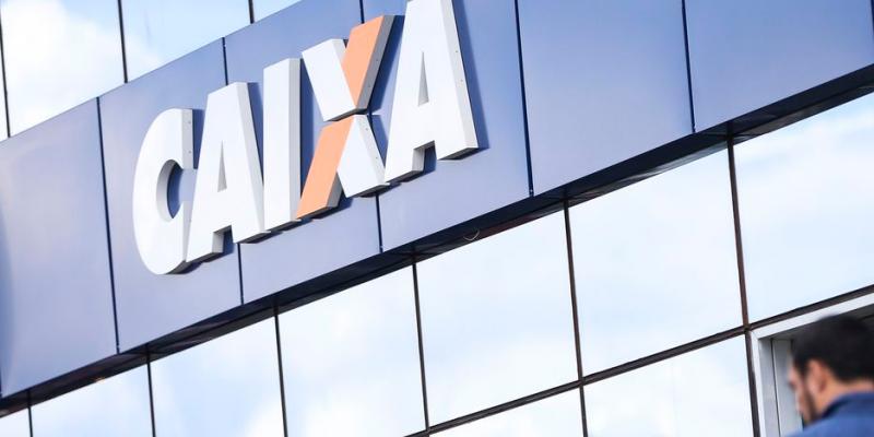 As receitas com prestação de serviços e tarifas bancárias totalizaram R$ 5,8 bilhões no primeiro trimestre deste ano