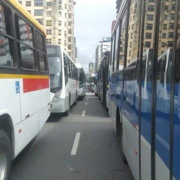 Governador Paulo Câmara diz que não haverá reajuste na tarifa de ônibus em 2020