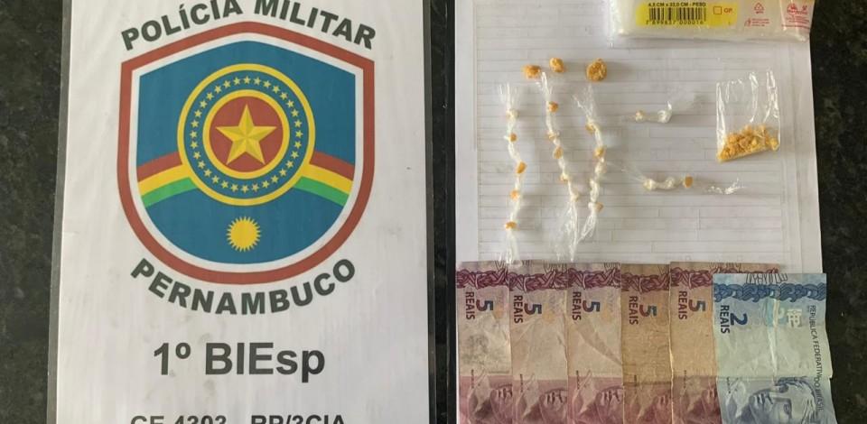 Polícia prende suspeitos de tráfico de drogas em Caruaru