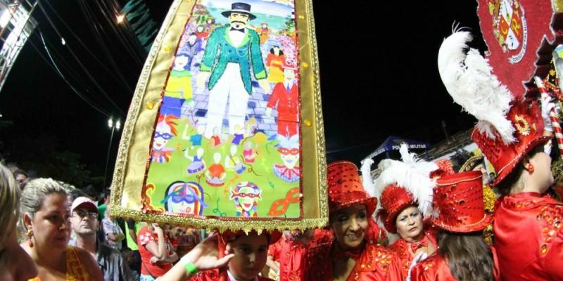 Este ano a feira homenageia os cirandeiros: Mestre Baracho, Dona Duda e Lia de Itamaracá