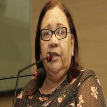 Vereadora do Recife vai protocolar projeto de lei para defender valores cristãos